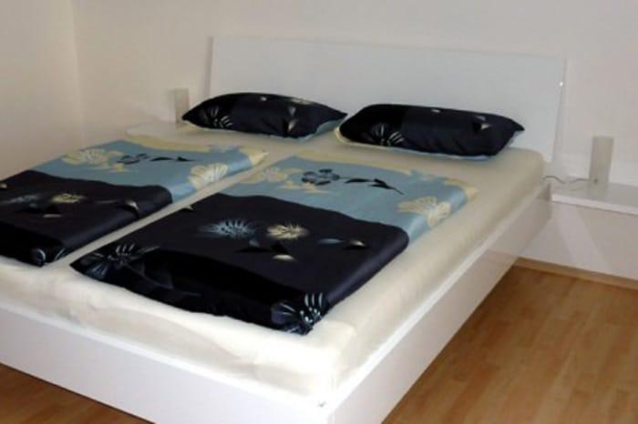 Bett hochglanz weiss