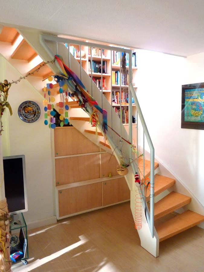 Einbauschrank hinter Treppe 2