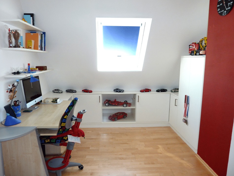Jugendzimmer Dachschraege rechts nachher
