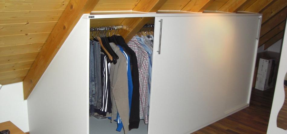 Kleiderschrank in Dachschraege Fuerth Burgfarrnbach